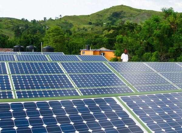 solar-panels-haiti-energy-charity-installations_17798_600x450