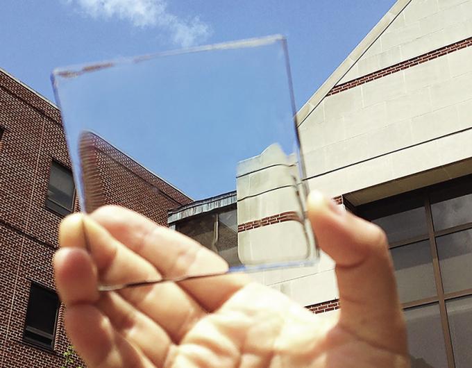 ventana-transparente-que-produce-energia